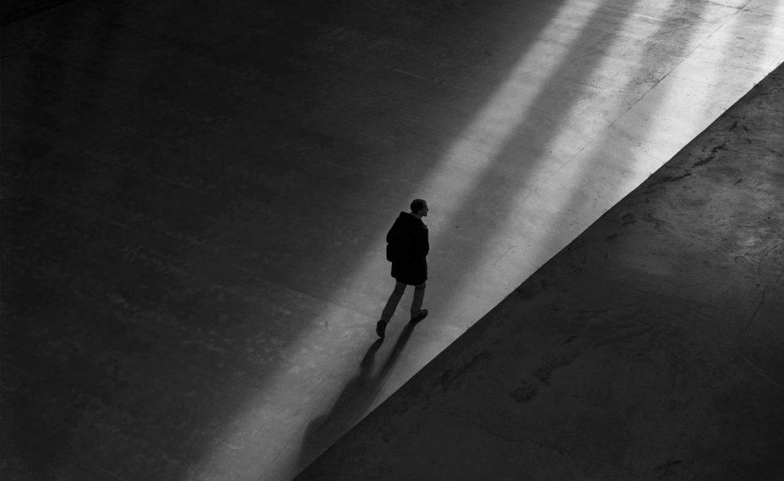 blog-man-walk-shadow